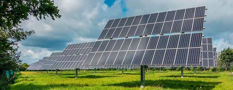 «Мыпланируем осуществить полную модернизацию дизельной генерации впосёлках Тиличики иОссора ипостроить несколько объектов— солнечные, дизельные иветроэлектростанции, атакже системы накопления электроэнергии собщей установленной мощностью 13600кВт»