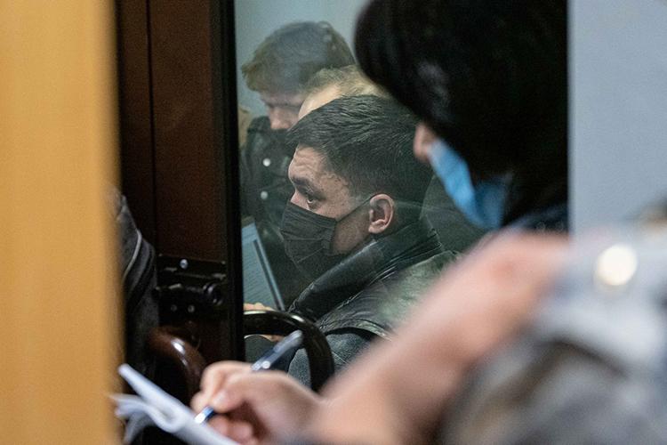 Сам Шакиров отрицал всуде, точнее даже якобы непонимал, зачто его арестовывают
