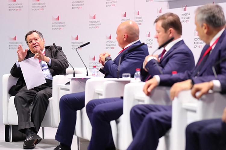 """Андрей Макаров:«Бизнес, который работает вэтой сфере, говорит: """"Если заграницеймои стройматериалы стоят столько-то, почему яздесь должен ихпродавать дешевле, если ямогу гнать наэкспорт?»"""