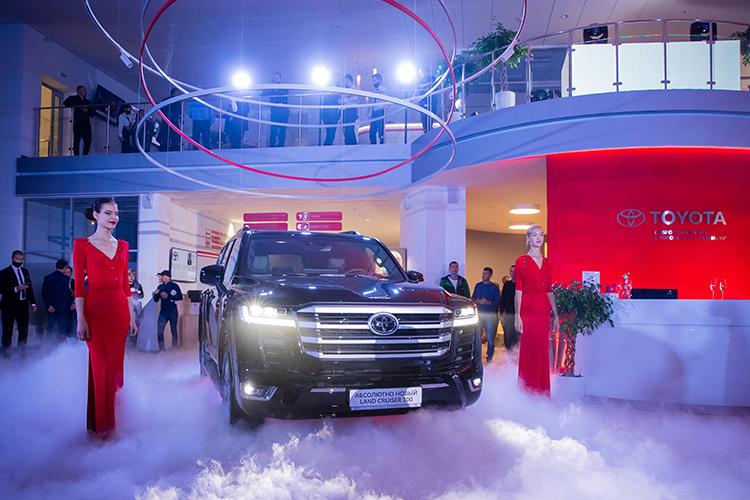 Поверсии журнала Форбс Тойота уже много лет подряд входит врейтинг лучших брендов сточки зрения коммерческих показателей