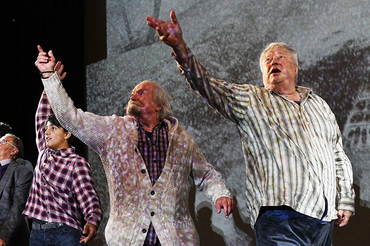 75-летний Михалков представил насцене театра им.Камала свой спектакль «12», где исыграл одну изролей