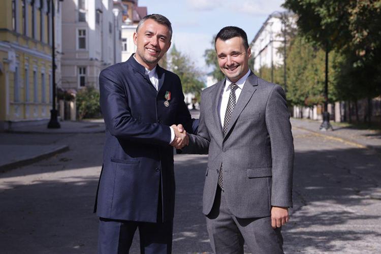Дамир Фаттахов (слева): «Тимур сомной вминистерстве спервого дня, моя правая рука иопора, знающий всю кухню изнутри»