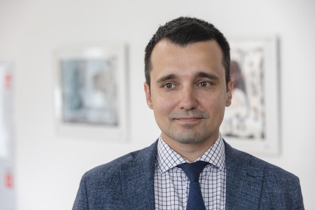 Виюне наша газета называла Сулейманова вчисле самых перспективных татарстанцев до35 лет как «заработавшего неплохую репутацию при реализации национальных проектов»