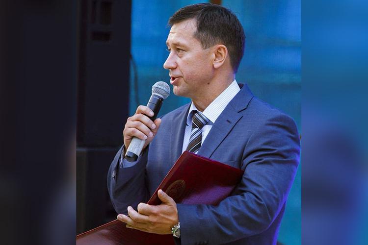 Пословам Бадрутдинова, было принято решение, что Савельев сначала выкупает 70% компании, создает совет директоров, азатем отстраняет Бадрутдиноваотуправления бизнесом