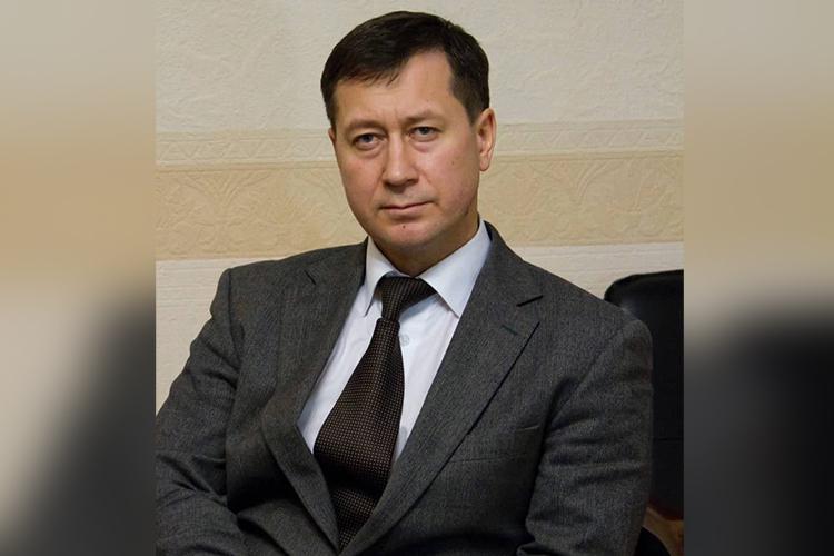 Втендерах «Транснефти» Бадрутдиновсамостоятельно начинает участвовать с2005 году. Ачерез год создает ООО«Спецстройсервис» (ССС)
