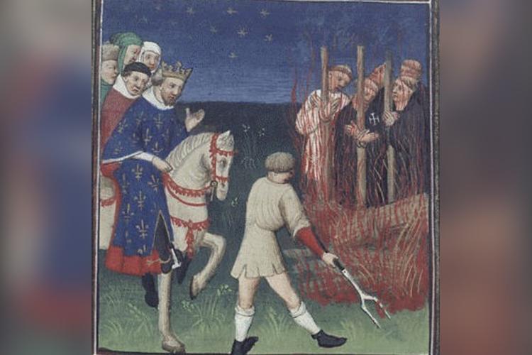Могуществом тамплиеров тяготился нетолько французский король: орден был богаче имогущественнее любого европейского владыки, включая исамого Папу Римского. Тамплиерская сеть охватила всю Европу, фактически тамплиеры создали Европейский союз