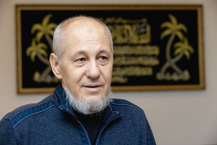 Айрат Калимуллин: «Так получилось, что в2012 году яуехал вОАЭ, было приглашение отодного шейха поработать сего детьми, тренироватьих. Втечении года там работал, искал клуб, чтобы заниматься дзюдо, нонашел только клуб поджиу-джитсу»