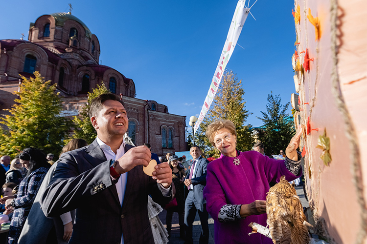 Экстрим-парк открывали сучастием высоких гостей влице двух членов республиканского парламента— вице-спикераТатьяны ЛарионовойидепутатаИльи Вольфсона