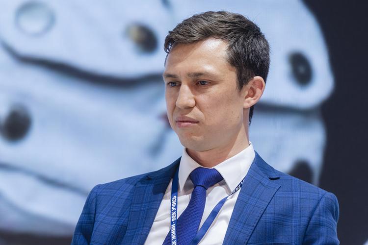 Наднях стало известно, что казанский учительАлмаз Хамидуллинвошел втоп-50 претендентов напремию Global Teacher Prize.Победитель конкурса получает награду в$1 миллион
