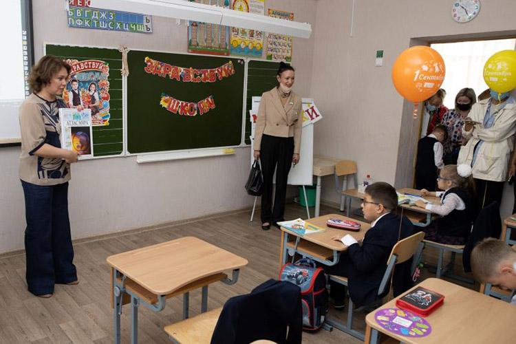 «Унас сильные преподаватели, конкурентные намировом уровне ученики. Обычный учитель изКазани может спокойно попасть втоп-50 выдающихся учителей мира, для этого ненадо быть удачливым гением»