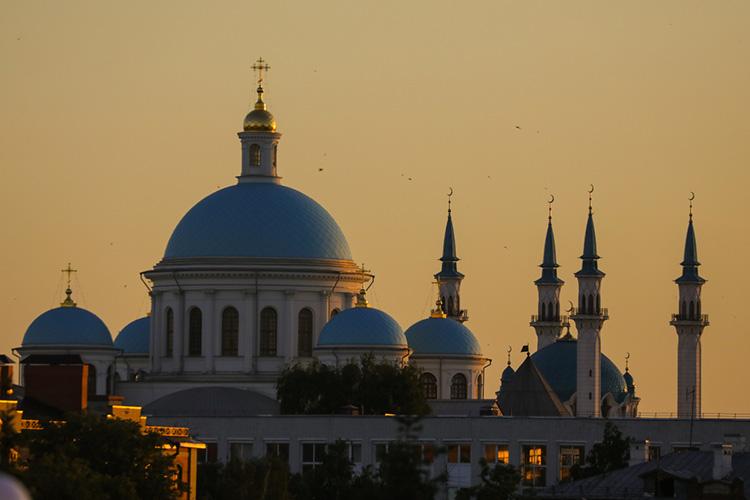 «Россия— многоконфессиональная страна, иниуодной религии просто неможет быть статуса государственной. Религия никак неможет рассматриваться вкачестве идеологии»
