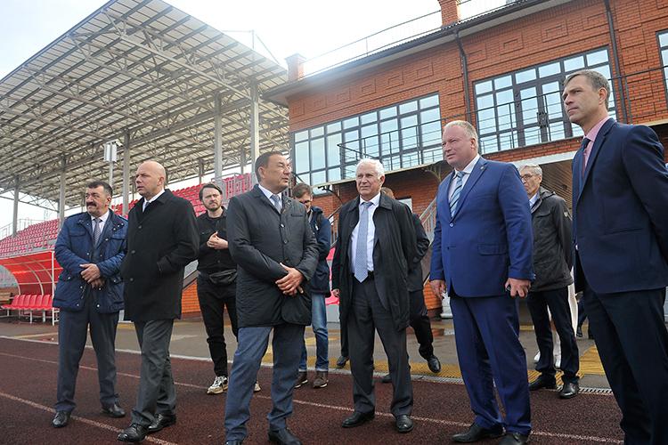 Комитет Госсовета РТпожилью иинфраструктуре провел накануне выездное совещание вЧистополь