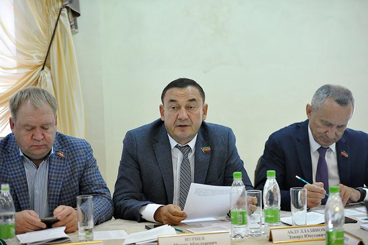 Марат Нуриев предложил невключать впрограмму «Наш двор» теплощадки, где нет гарантии, что вближайшие 10-15 лет непридется менять подземные коммуникации