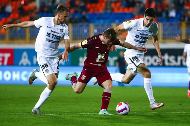 Андерс Дрейерстал первым футболистом вистории российской премьер-лиги, который отличился хет-триком впервойже игре. Причём онзабил первымже касанием