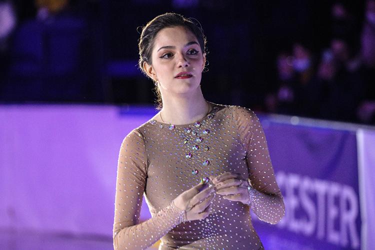 Евгения Медведева: «Объем тренировок несоизмерим стем, что проворачивают девчонки, которые готовятся кглавным стартам Олимпийскихигр. Ноядержу себя внеплохой форме, чтобы достойно выступать вледовых шоу»