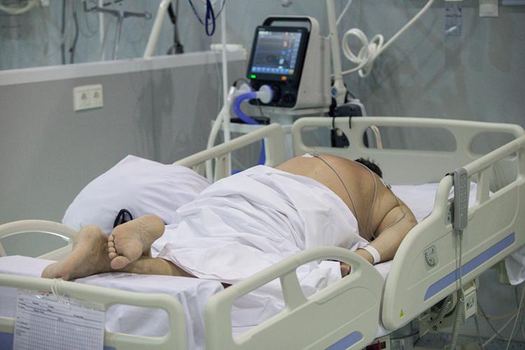 Если вавгусте вглавный ковидный госпиталь республики— вРКБ— вавгусте госпитализировали ссимптомами ОРВИ, пневмонии иподозрением наковид 30-50 человек всутки, товсентябре эта цифра выросла до40-60 госпитализаций ежедневно