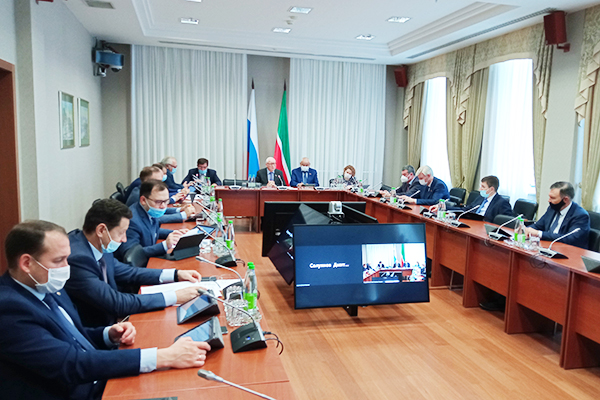 Госдолг Татарстана наданный момент составляет 85млрд рублей побюджетным кредитам и11млрд рублей— погосгарантиям