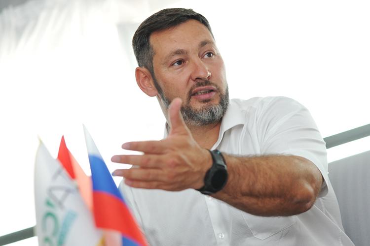 Олег Коробченко:«Унас сидит почти 50% налогов накаждом этапе передела, иитоговый товар получается вдва раза дороже. Представляете, если наш товар снизится [по цене] на50%,насколько наша экономика начнет развиваться?»