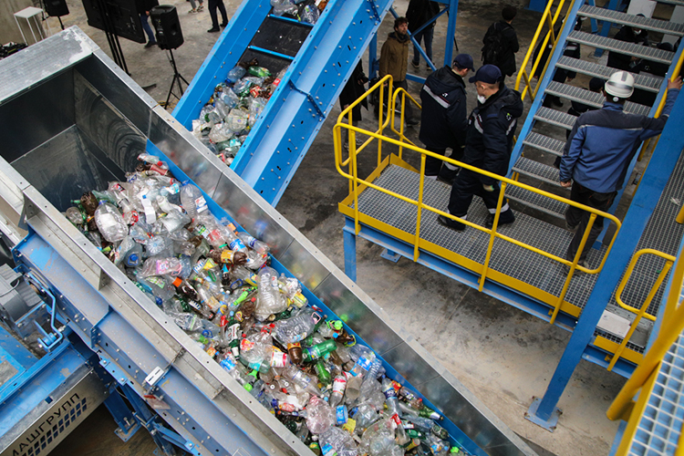 Унас вкачестве целей реформы также заявлен отказ отполигонов впользу развития переработки отходов. Нопри этом интересы переработчиков почти никак неотражены взаконодательстве инепрописаны втерриториальных схемах