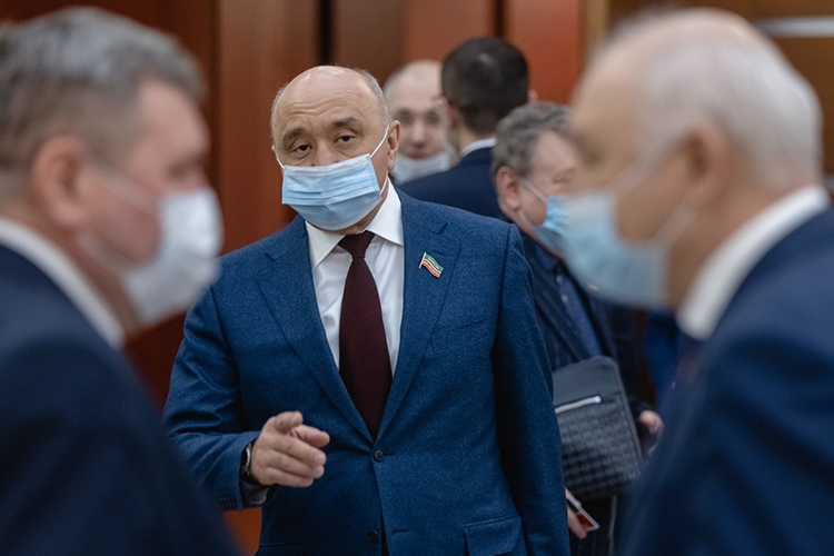 Ильшат Гафуров: «Цена вопроса более 5миллионов рублей. Нашли организацию, которая готова втечение двух недель провести работы. Возникнут вопросы начей баланс передавать инасколько законно проведены эти работы»
