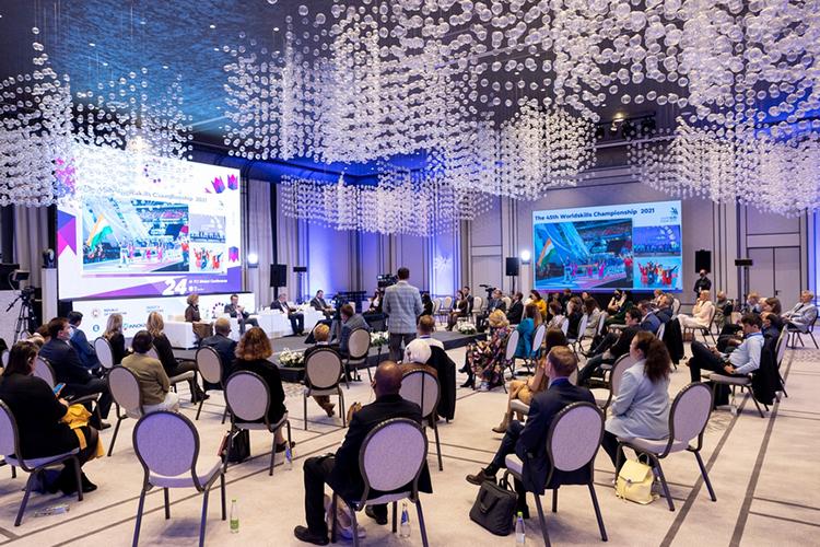 ВКазани продолжается глобальная конференция TCI, посвященная вопросам кластерного развития ициркулярной экономики. Накануне состоялась визионерская сессия, накоторой обсудили города будущего