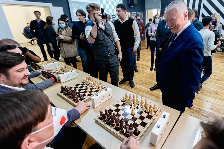 Анатолий Карпов: «Когда Россия вшахматах непопадает втройку, извините, это привет!»