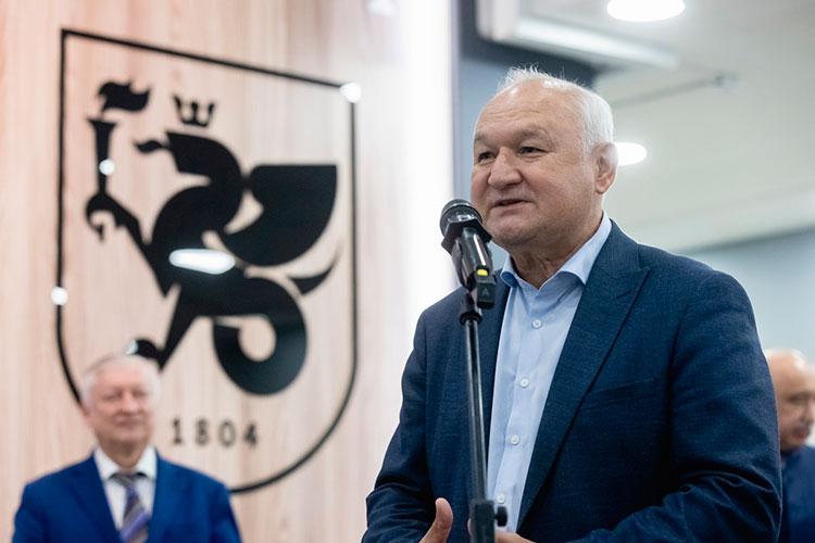 Ильдар Гильмутдинов рассказал, как в начале 2000-х годов несколько лет возглавлял в Казани шахматный клуб «Ладья»: тогда команды Татарстана становились чемпионами России и Европы