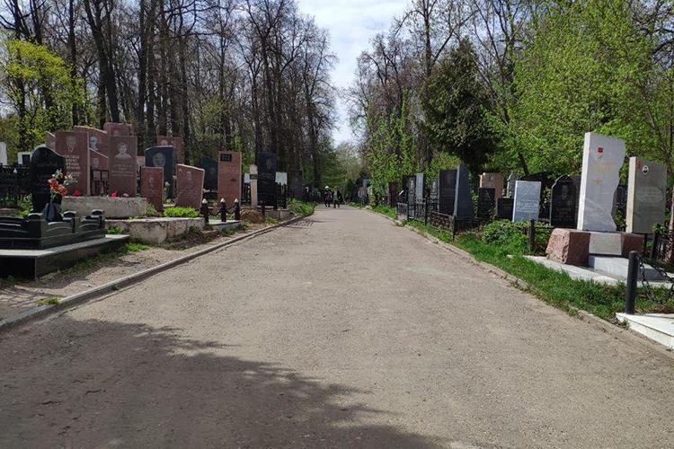 «Оцифровке должны подвергнуться все кладбища Казани. Предполагается, что после окончания работ каждый желающий сможетнайти воткрытом доступе сведения обинтересующих егозахоронениях»