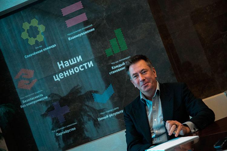 Предправления ПАО «СИБУР» Дмитрий Конов неоднократно объявлял, что сделку планируется закрыть до конца третьего квартала, а в последний месяц из его уст постоянно звучала конкретная дата — 30 сентября