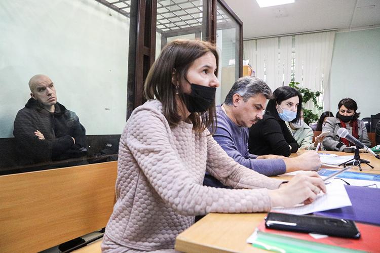 Вахитовский суд продлил Доронину срок содержания под стражей надва месяца, до28ноября. При этом онсам иего адвокаты— теперь ихтрое— настаивали натом, чтобы отпустить «главного идеолога» финансовой пирамиды под домашний арест