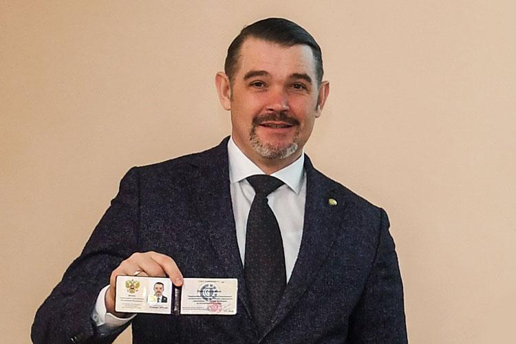 Сегодня в9 часов утра был задержан управляющий региональным отделением Фонда социального страхования РФпоРТПавел Лоханов. Информацию оего задержании уже подтвердили пресс-службы СКР иМВД поРТ