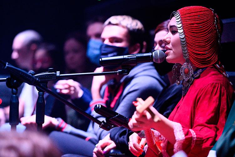 В минувшее воскресенье в Москве завершился IX Всероссийский фестиваль молодой режиссуры «Артмиграция». И поставил эффектную точку в недельном показе лучших региональных спектаклей татарский Sak-sok Нурбека Батуллы