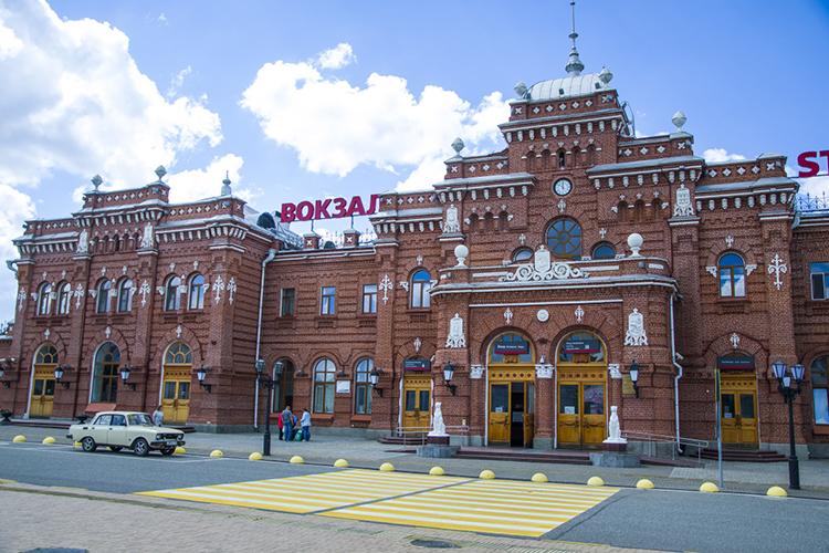 «Исторический вокзал должен остаться вцентре города, ионтам будет. Это нормальный европейский подход, когда вцентр города приходят поезда»