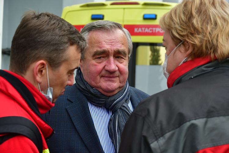 Олег Федоткинрассказал, чтоизхирургического корпуса Пермской краевой больницы вывезут 6 пациентов, еще одного изГКБ №4