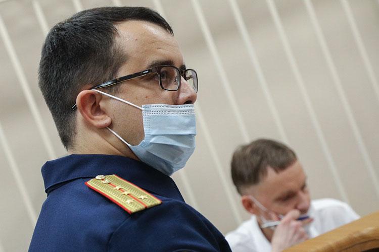 Несмотря на то, что следователь 4-го отдела по расследованию особо важных дел СУ СКР по РТ Ильсур Сабирзянов присутствовал на заседании лично, его ходатайство судья зачитала сама