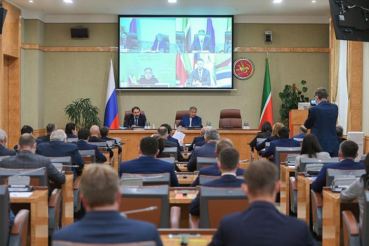 Накануне в Доме правительства РТ прошло заседание инвестиционного совета республики с участием президента Татарстана Рустама Минниханова