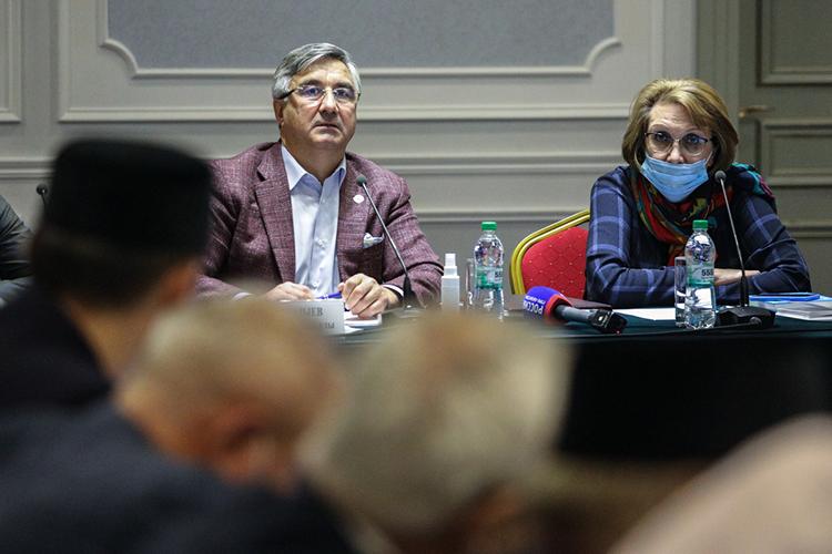Василь Шайхразиеввкоторый разотметил важность этого мероприятия для татар, напомнив, что попереписи 2010 года татар вРоссии было 5,3миллиона