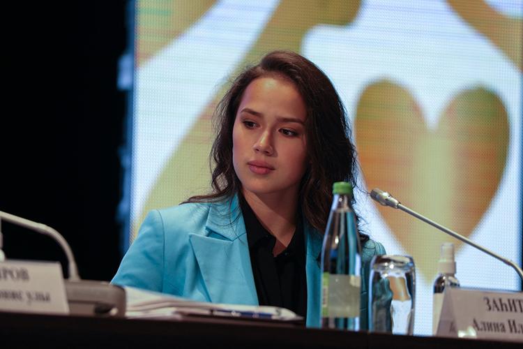 ... иолимпийская чемпионка, фигуристкаАлина Загитова