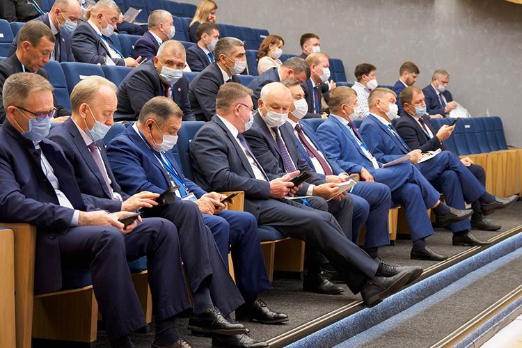 ВТатарстане единороссам удалось выполнить главную задачу— делегировать максимальное число подготовленных иавторитетных кандидатов иполучить «мандат доверия» жителей