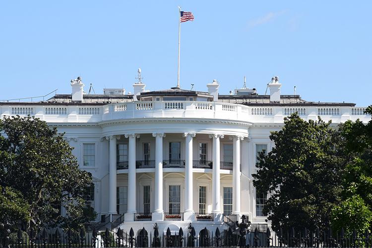 «США взяли вектор на нивелирование рисков и торможение. Миру придется тормозить вместе с ними»