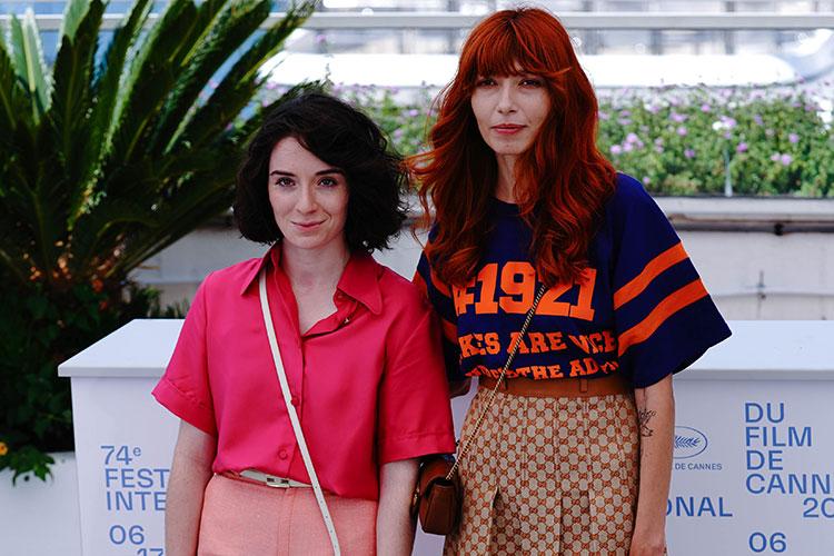 Кира Коваленко (справа) и исполнительница главной роли Ады Милана Агузарова