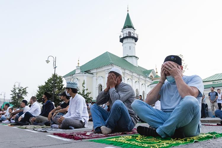 Когда говорят омусульманском единстве, нередко возникает ощущение, будто речь идет окаком-то абстрактном понятии, абсолютно неимеющем отношения кнашей свами действительности, словно мыговорим неособственном единстве, аоединстве каких-то далеких марсиан
