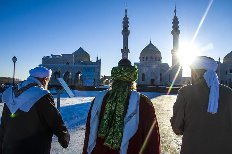 Решить проблему единства российских мусульман без разработки богословского аспекта проблемы будет крайне сложно, аскорее всего, иневозможно