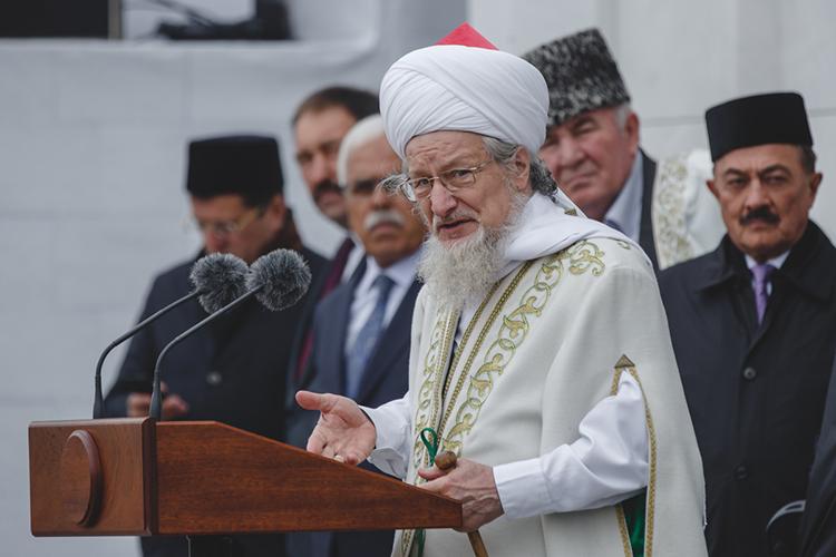 Пожалуй, изроссийских муфтиев больше остальных пытался преодолеть раздробленность мусульман муфтий ЦДУМ РоссииТалгат хазрат Таджуддин