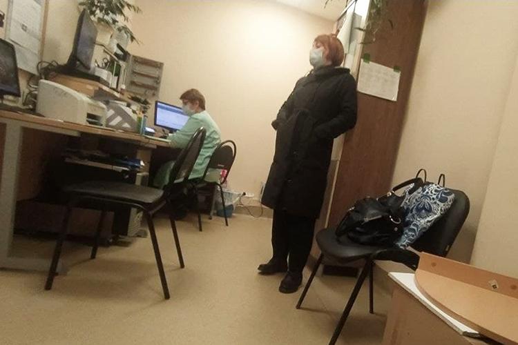 Куда проще дела обстояли вполиклинике №2 при тойже городской больнице наАдоратского. Очередей там небыло вовсе, азаписаться напрививку прикрепленные кучреждению пациенты могут даже наближайший понедельник
