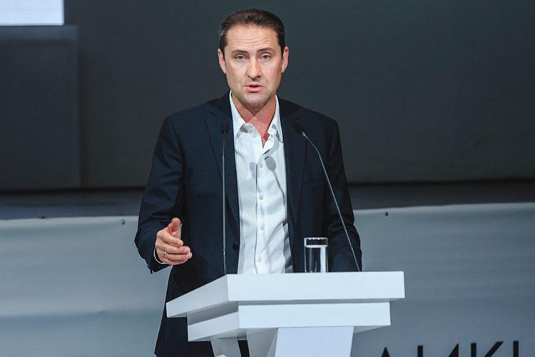 Вячеслав Миллер: «Мы оказались теми, кто плохие новости доводит до клиентов»