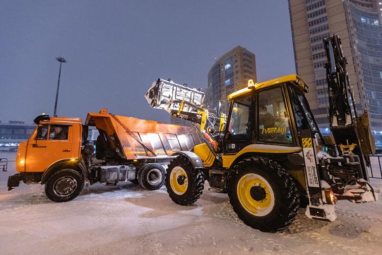 Казалосьбы, совсем недавно обновляли снегоуборочную технику— новремя летит незаметно! Общий износ техники подобрался к40%, акомбинированных дорожных машин (КДМ) к70%