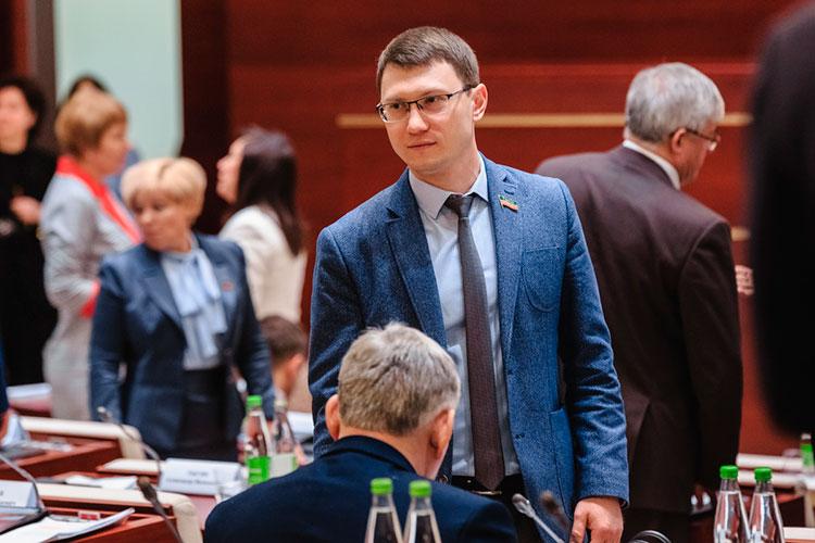 Коммунист Артем Прокофьев неожиданно записался в комитет по туризму и туристической инфраструктуре — стоило ли ради этого так рваться в Госдуму?