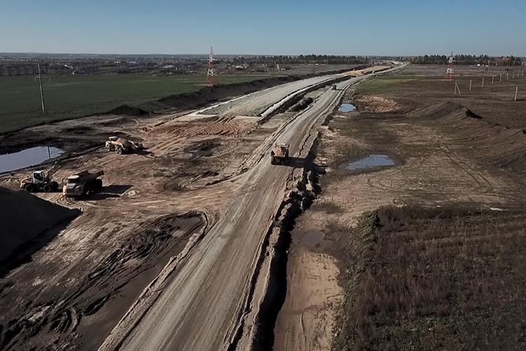 Развязку М12 уже строят не доезжая поворота на Сапуголи. Добраться до нее можно будет также по дороге-дублеру