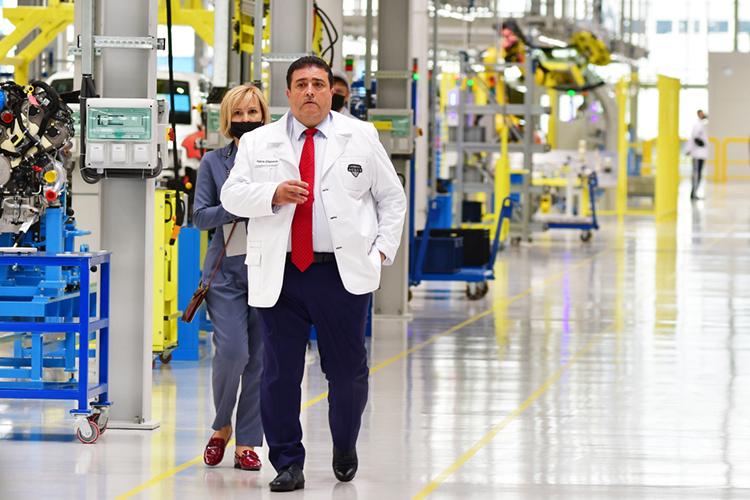 Адиль Ширинов работает всовместном предприятии Ford Sollers смомента его основания в2011 году вроли исполнительного директора ипервого вице-президента